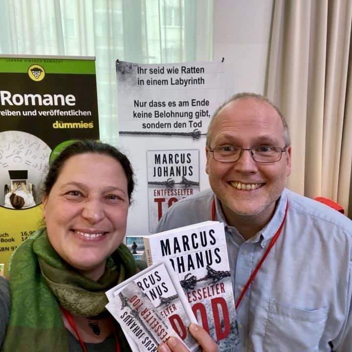 """Mit Viola Hollmann und """"Entfesselter Tod"""" an unserem Stand auf der Buch Berlin 2019"""